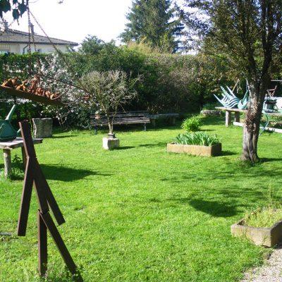 Au soleil, mangez dans le jardin
